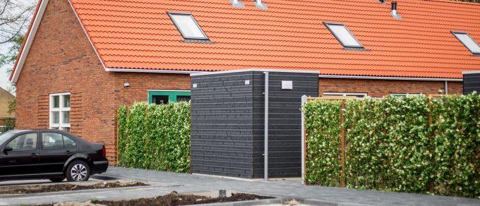 Mobilane Fertighecke Eine grüne Straße in Harlingen, Niederlande